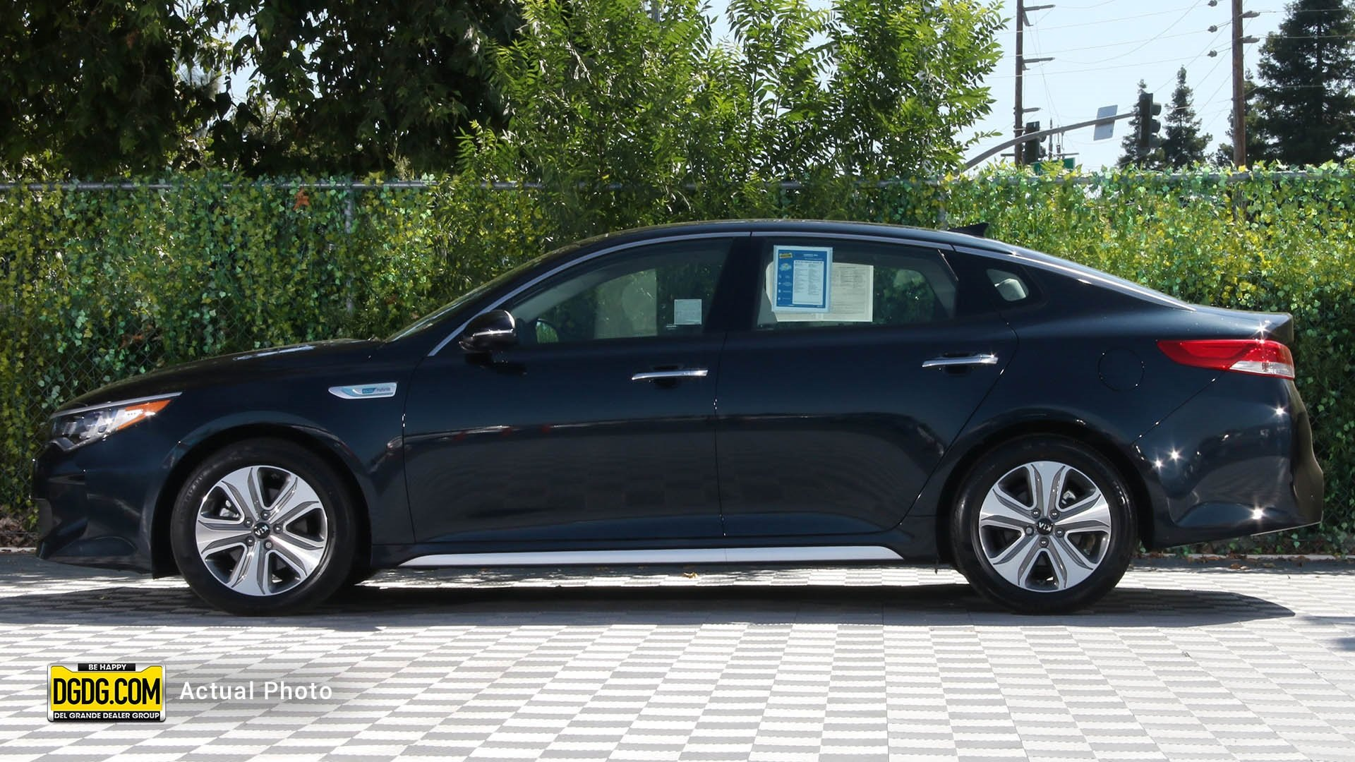 Pre-Owned 2018 Kia Optima Hybrid EX