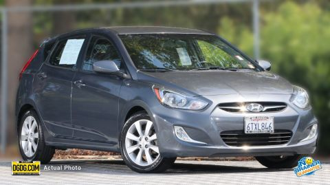Pre-Owned 2012 Hyundai Accent SE