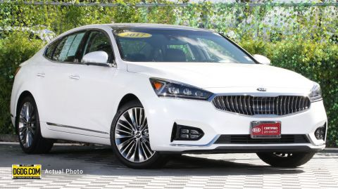 Certified Pre-Owned 2017 Kia Cadenza Limited